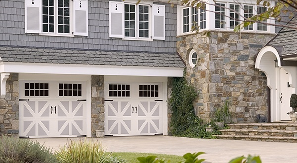 Amarr 39 s classica line offers two toned colors on new doors for Garage door repair tualatin